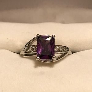 Jewelry - Sterling silver amethyst ring size 6.25